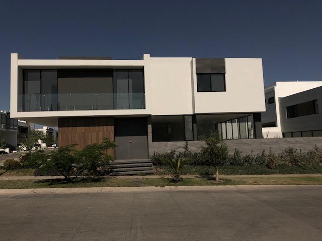 Casa Nueva en Coto Parque Virreyes Zapopan