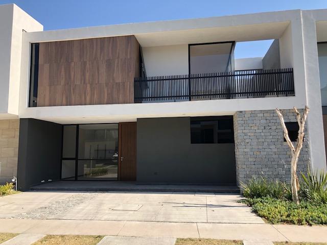 Casa Nueva en Venta Coto Parque Virreyes Zapopan
