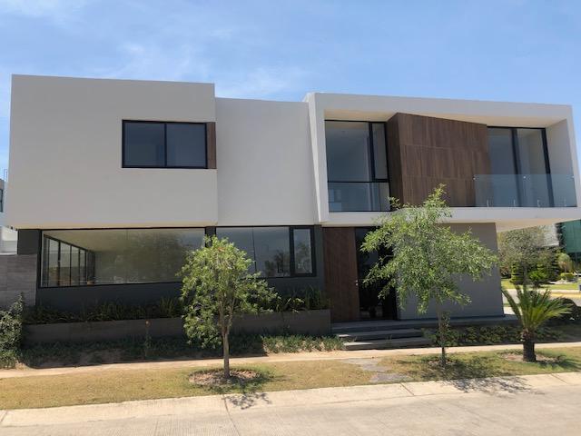 Casa en Venta Nueva en Coto Parque Virreyes Zapopan
