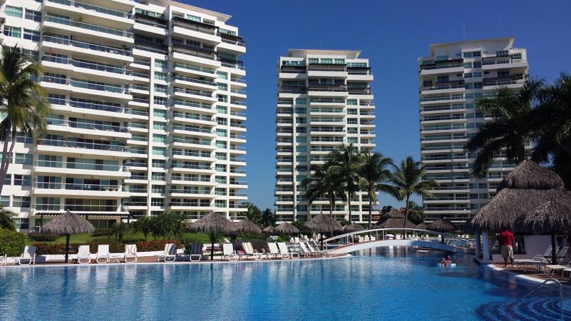 <div class='slider-only'><div class='title'><h2>Departamento a la venta en Shangrila, Puerto Vallarta</h2></div><div class='link'><a href='https://esferainmobiliaria.com.mx/casas/1363/' class='highlight-btn-one'>Ver propiedad</a></div></div>