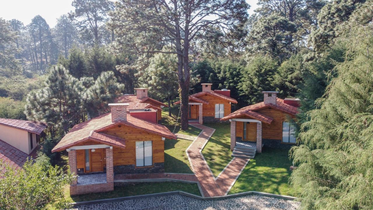 <div class='slider-only'><div class='title'><h2>CABAÑAS EN VENTA</h2></div><div class='link'><a href='https://esferainmobiliaria.com.mx/casas/se-venden-4-cabanas-nuevas-amuebladas-en-mazamitla-jalisco/' class='highlight-btn-one'>Ver propiedad</a></div></div>